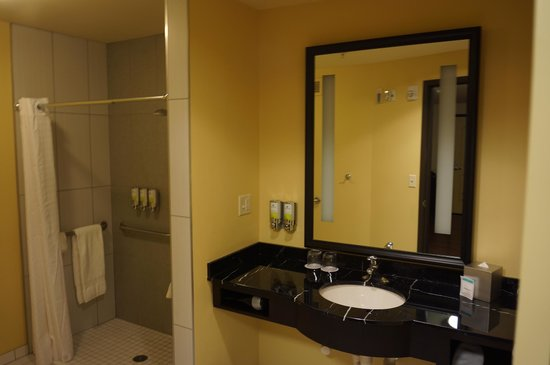 The Maxwell Hotel - A Staypineapple Hotel : Bathroom