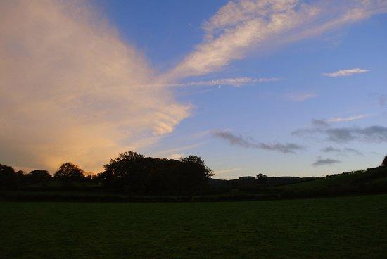 Pwllgwilym B&B and Barn Holiday Cottages: Llewellyn's walk