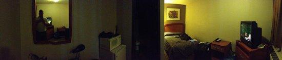 Economy Inn & Suites: Panarama