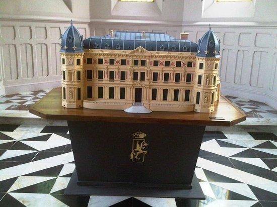 Fundación Real Escuela Andaluza del Arte Ecuestre : Model of Palacio de las Cadenas