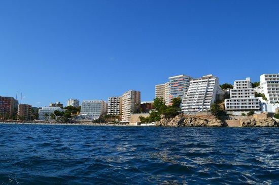 Bahia Principe Coral Playa: вид на отель с моря