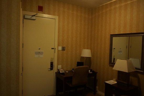 Hotel Griffon - A Greystone Hotel: Room