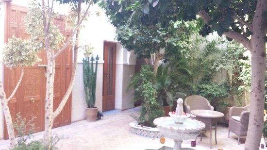 Riad Asrari: Cour intérieure du Riad