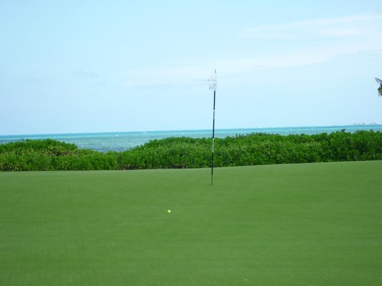 Playa Mujeres Golf Club: Hole 16, Par 4.   Only ocean view.