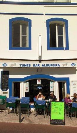 Tunes Bar