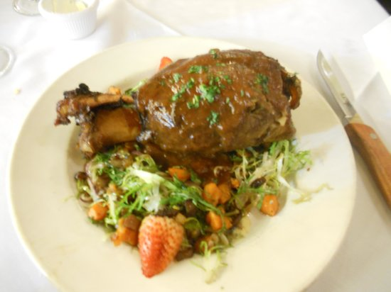 Palace Cafe: Delicious pork shank