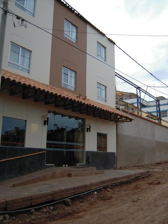 Casa Andina Standard Puno: entrada del hotel