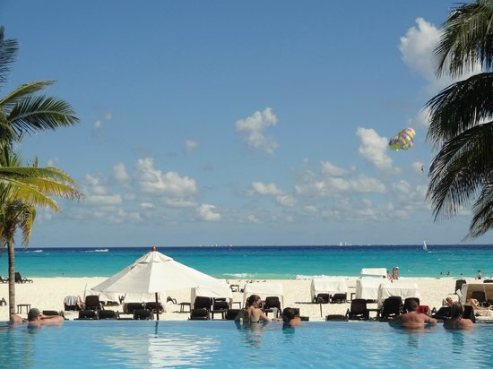 Royal Hideaway Playacar: view from the pool