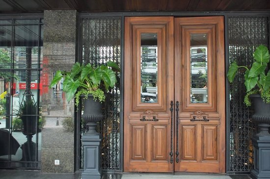 Hotel Muse Bangkok Langsuan - MGallery Collection: the door front of Muse