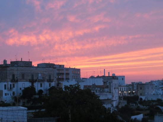 Ostuni Palace Hotel Meeting SPA: Sunset from outside the hotel was beautiful.