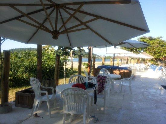 Pousada Pedra Da Ilha: deck da piscina
