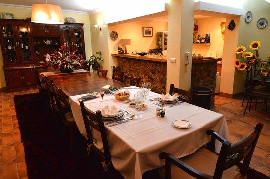 Villa d'Arcos: Dining room