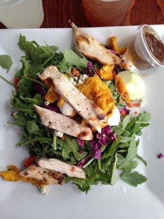 FARM COUNTRY KITCHEN: Grilled Chicken & Arugula Salad