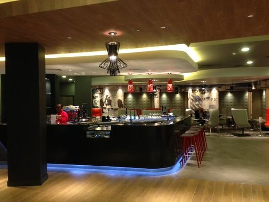 Ibis London Euston St Pancras: The renovated bar and reception area