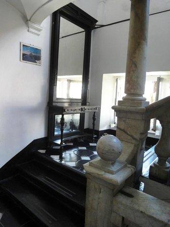 Villa Bonera : Лестница