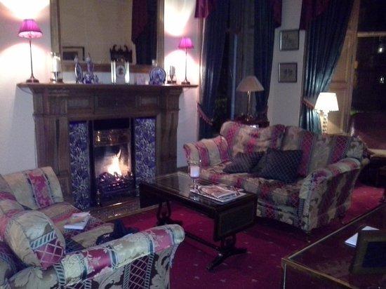 Kildonan Lodge Hotel: living room