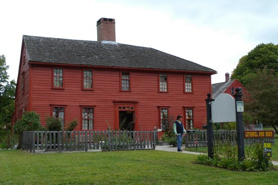 Norwich, CT: The outside of the Leffingwell museum