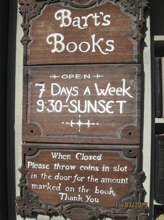 Sign at Entrance to Bart's Books