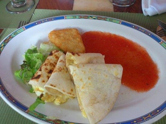 Laguna Suites Golf & Spa : Delicious Mexican breakfast