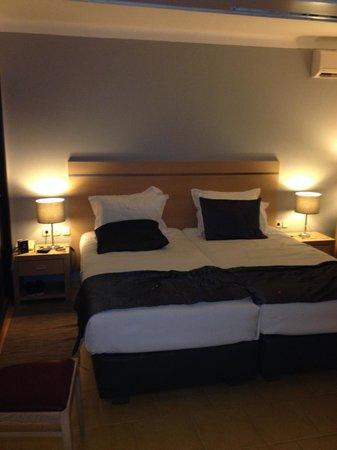Santa Eulalia Hotel Apartamento & Spa : Hotel bedrooms, standard