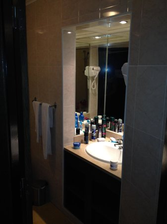 Santa Eulalia Hotel Apartamento & Spa : Sink facility