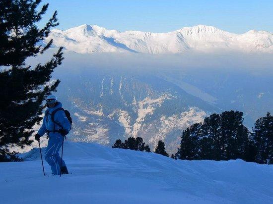 Sweet Snowsports: End of day powder run