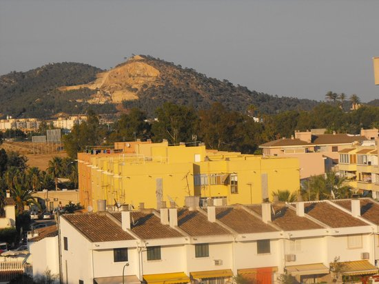 Zafiro Rey don Jaime: Decent view from RDJ room window
