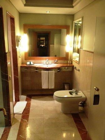 Sofitel Marrakech Palais Imperial : La deuxième salle de bain de notre suite!