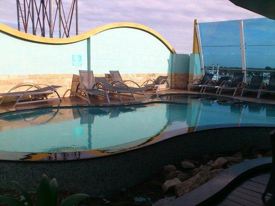 Wyndham Garden Paramaribo: Pool