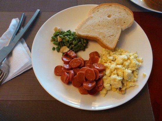 Wyndham Garden Paramaribo: Breakfast