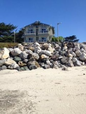 Cypress Inn on Miramar Beach : Point Reyes is the room on the top right- view of the place from the beach