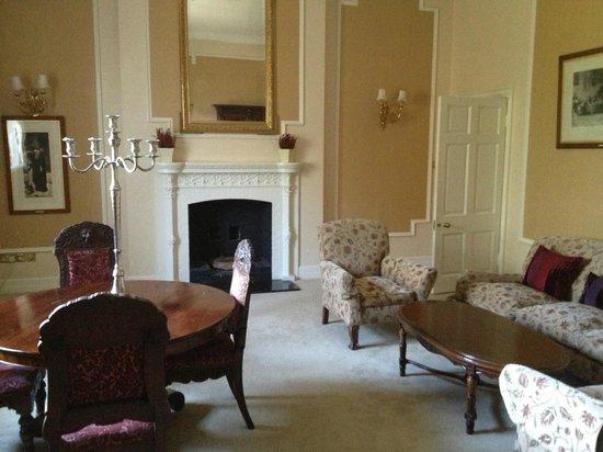 Waterford Castle Hotel & Golf Resort : Presidential Suite - Sitting Room