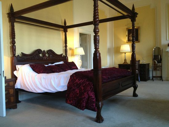 Waterford Castle Hotel & Golf Resort : Presidential Suite - Four-poster Bed