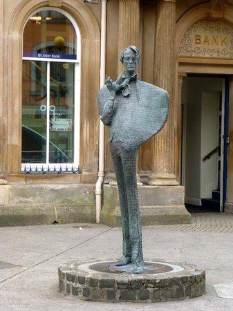An Cruiscin Lan : Stutue W.B. Yeats
