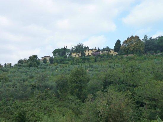 Relais La Cappella: La Cappella on a hill
