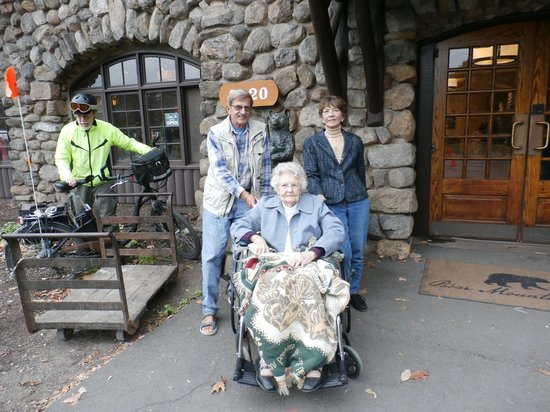 Bear Mountain Inn : At the Inn Door