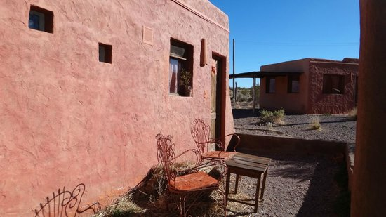 Mamuna: Patio de entrada a la cabaña
