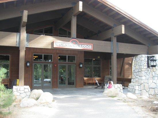 Wuksachi Lodge: The lodge