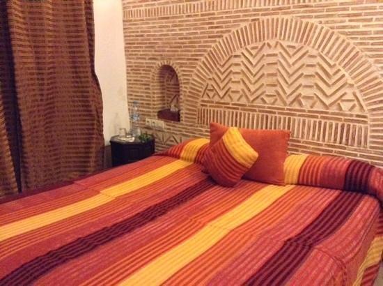 Riad Les 5 Soeurs: la chambre orange