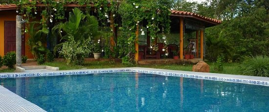 Hotel Sol y Mar: Infinity style pool