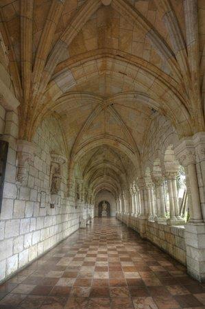 Cloisters of the Monastery of Saint Bernard de Clairvaux: St. Bernard de Clairvaux Cloisters back hall