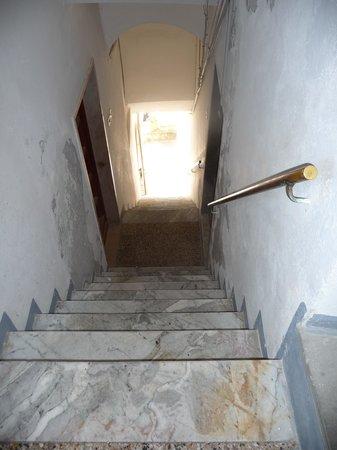 Locanda Giuliana : Steps up to apartment