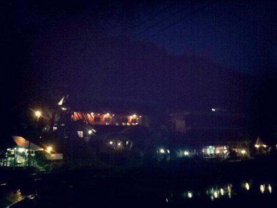 Tapear Resort : night view