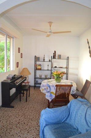 La Maison Bleue : living area