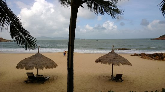 AVANI Quy Nhon Resort & Spa: and the beach