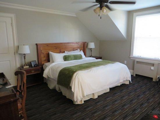 Sherwood Inn : Room 207