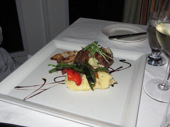 Sherwood Inn : Dinner. Beef tenderloin