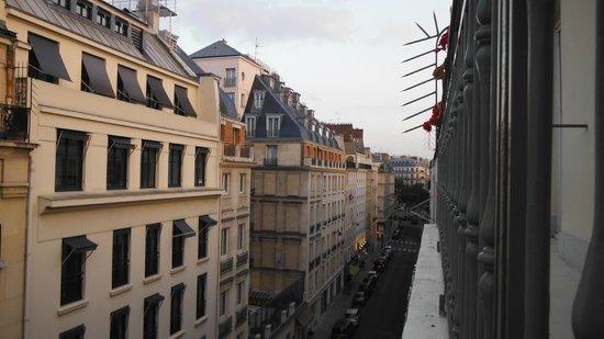 Hotel Concortel: Top floor room street view