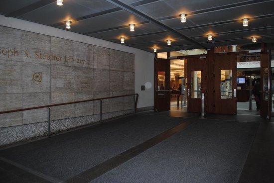 Queens University: Joseph S.Stauffer Library