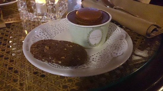 Hôtel Régina Louvre: Cortesia do hotel (sorvete Ladurée)
